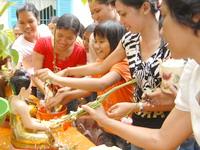Người Khơme tưng bừng đón tết Chôl Chnam Thmây