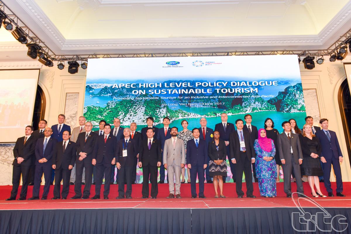 Toàn cảnh Đối thoại chính sách cao cấp APEC về Du lịch bền vững 2017