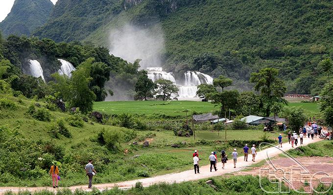 Du lịch Việt Nam tăng trưởng mạnh mẽ trong năm 2016