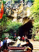 Lạng Sơn: Khu di tích Nhị -Tam Thanh thu hút nhiều du khách tới thăm