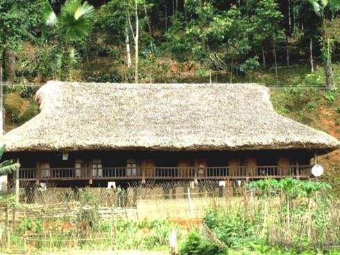 Nét độc đáo của ngôi nhà sàn người Tày Bảo Yên (Lào Cai)
