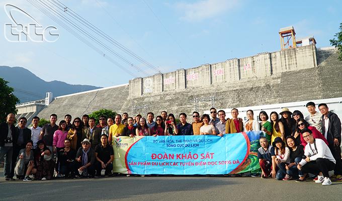 Tổng cục Du lịch khảo sát sản phẩm du lịch các tuyến, điểm dọc sông Đà