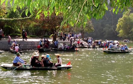 Năm 2019, Ninh Bình phấn đấu đón trên 7,5 triệu lượt khách du lịch