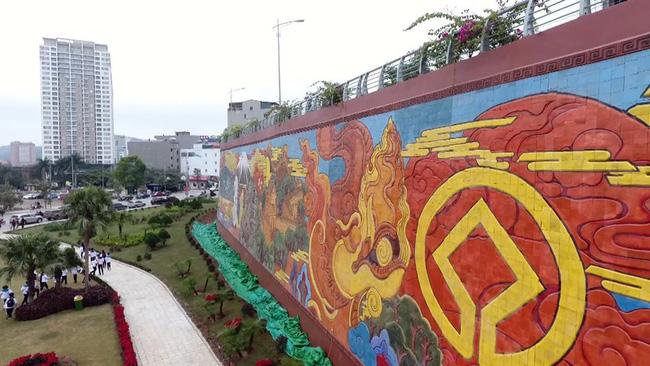 Đề nghị xác lập kỷ lục Bức phù điêu gốm màu có diện tích lớn nhất Việt Nam