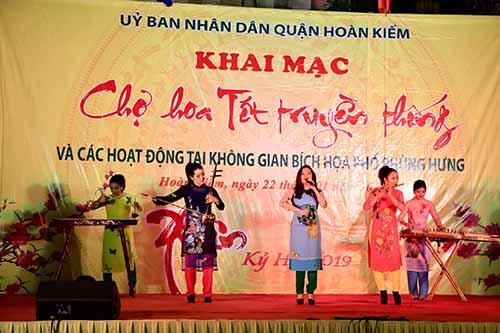 Khai mạc Chợ hoa Tết truyền thống Hàng Lược – Hà Nội