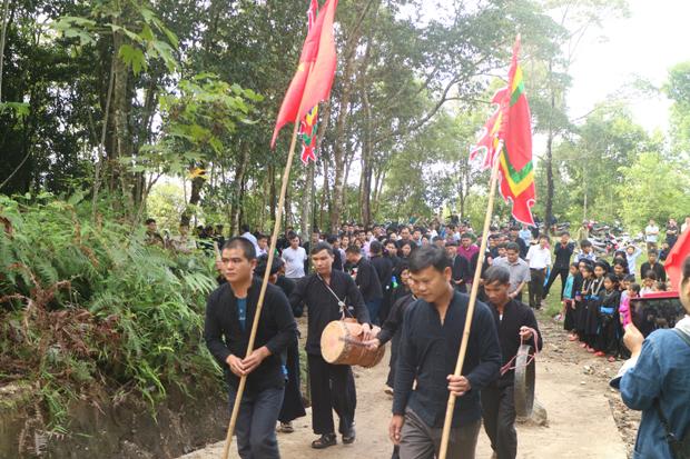 Lễ hội Hoàng Vần Thùng gắn với Tết Khu Cù Tê ở Bản Díu (Hà Giang)