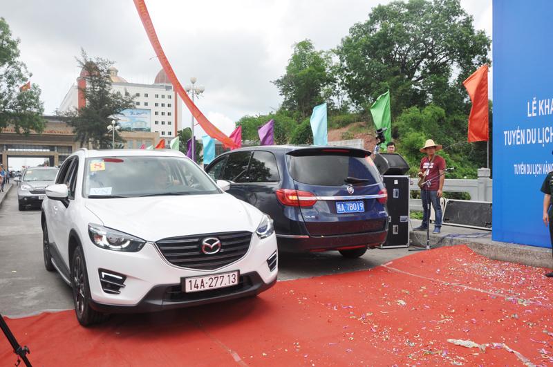 Gia hạn thí điểm ô tô du lịch tự lái qua cửa khẩu Móng Cái (Quảng Ninh)