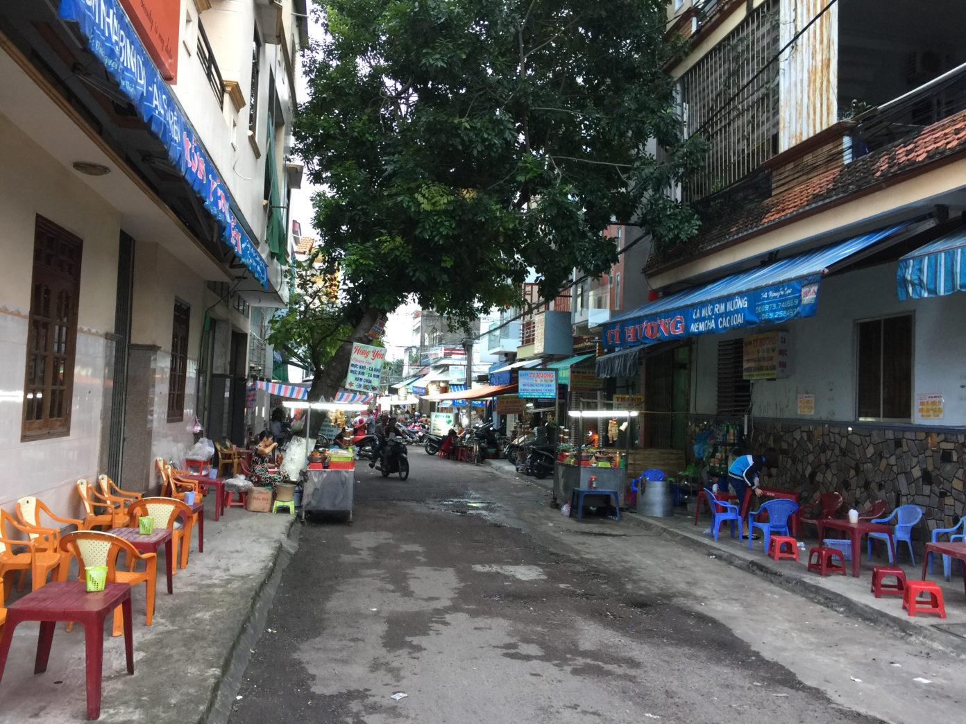 Phố ẩm thực Quy Nhơn tại đường Ngô Văn Sở - Trần Độc