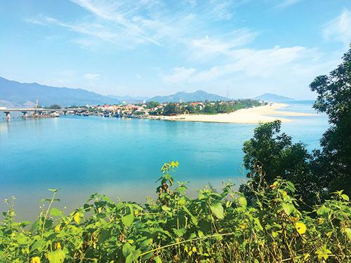 Vịnh Lăng Cô – Thắng cảnh tuyệt đẹp