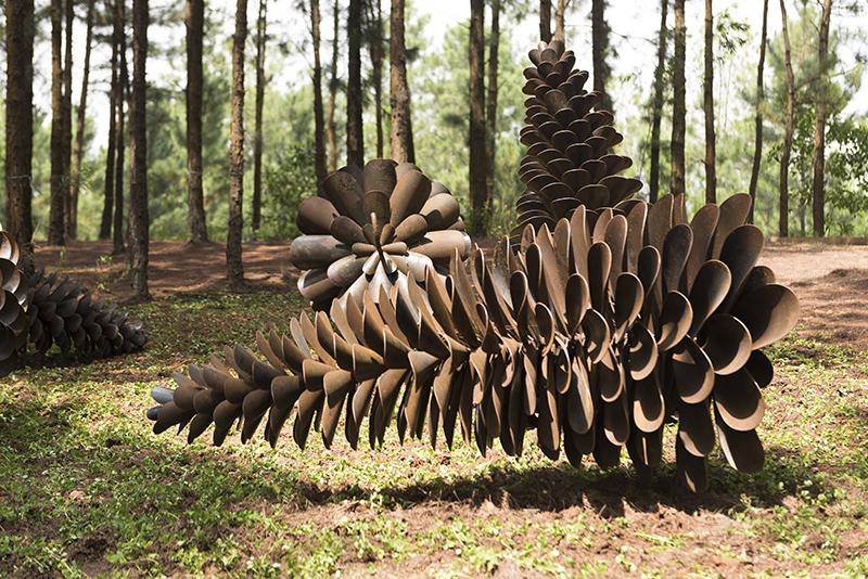 68 tác phẩm điêu khắc khổng lồ hội ngộ tại Art in the Forest 2019
