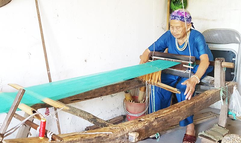 Đi tìm nét văn hóa trồng dâu, nuôi tằm, dệt vải ở Bình Liêu