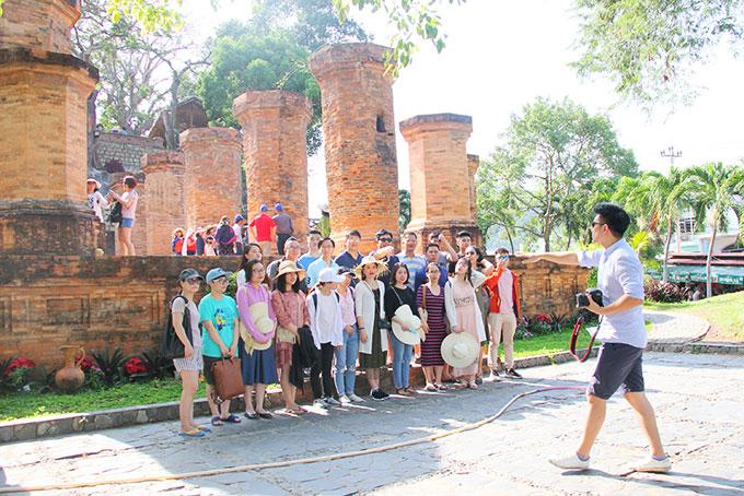 Khánh Hòa: Tăng cường quản lý hoạt động của hướng dẫn viên du lịch