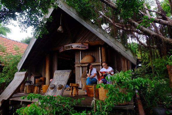 Phát triển du lịch cộng đồng gắn với bảo tồn văn hóa