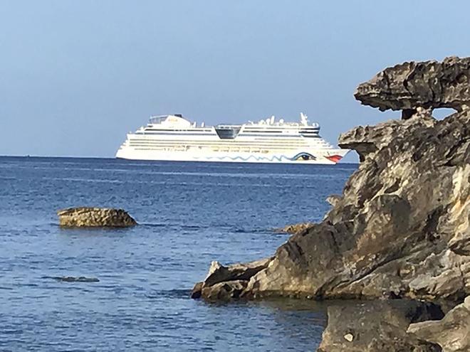 Phú Quốc đón hơn 2.000 khách du lịch tàu biển