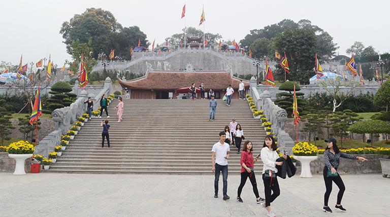 Cẩm Phả (Quảng Ninh) phát triển sản phẩm du lịch, dịch vụ chất lượng cao