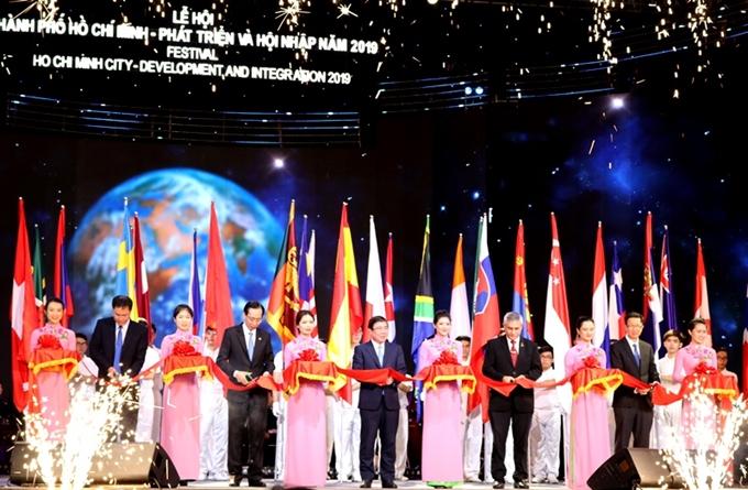 Đặc sắc các hoạt động tại Lễ hội TP Hồ Chí Minh phát triển và hội nhập