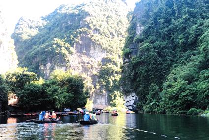 Ninh Bình: Bảo vệ môi trường góp phần phát triển du lịch bền vững