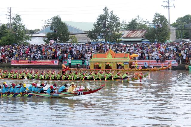 Lễ hội Óc om bóc - Đua ghe Ngo khu vực ĐBSCL năm 2019