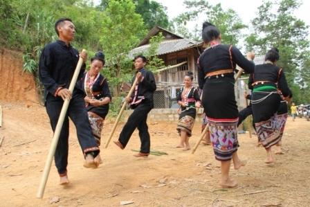 Đặc sắc âm nhạc của người Khơmú ở Nghệ An và Điện Biên