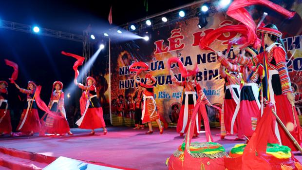 Lễ hội nhảy lửa dân tộc Pà Thẻn huyện Quang Bình năm 2019