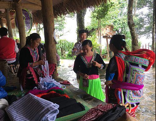 Ấn tượng phiên chợ vùng cao Sin Suối Hồ (Lai Châu)