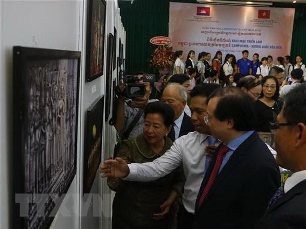 """Khai mạc Triển lãm """"Campuchia - Vương quốc văn hóa"""" tại Việt Nam"""