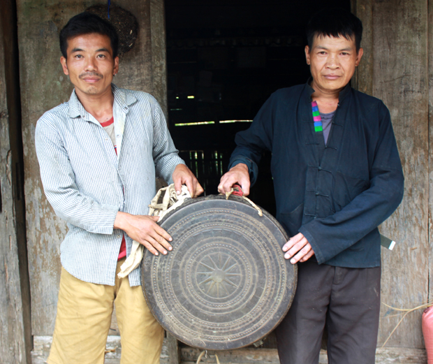 Độc đáo điệu múa trống đồng của dân tộc Nùng (Hà Giang)