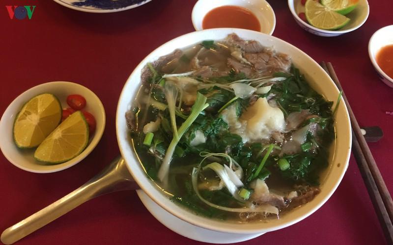 """Làm gì để ẩm thực trở thành """"đặc sản"""" của du lịch Việt Nam?"""