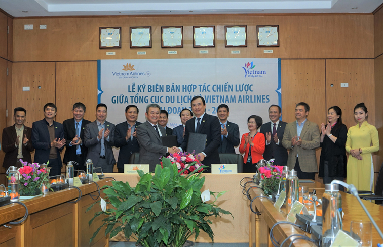 Tổng cục Du lịch và Vietnam Airlines ký hợp tác chiến lược về xúc tiến, quảng bá du lịch