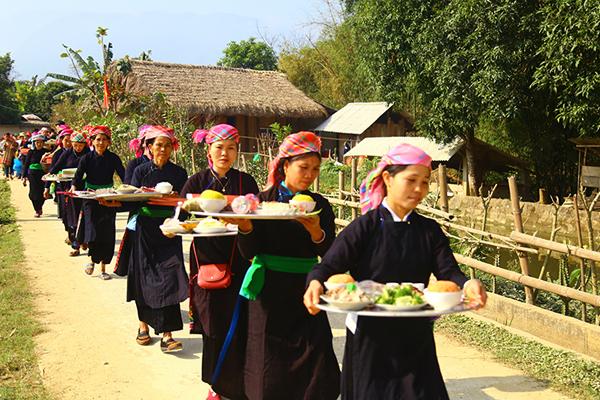 Văn Bàn bảo tồn bản sắc văn hóa dân tộc thiểu số
