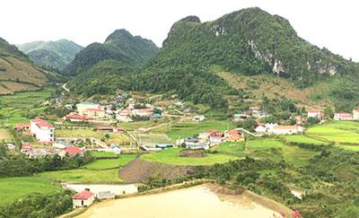 """Sìn Hồ (Lai Châu) phát triển ngành """"công nghiệp không khói"""""""