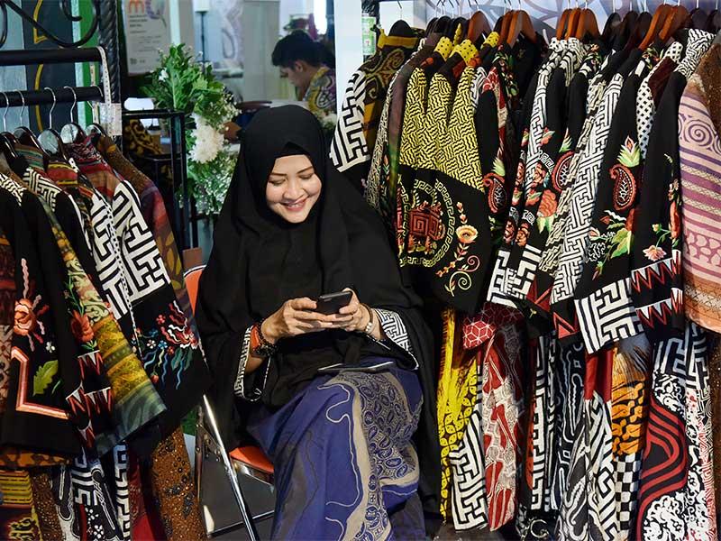 Độc đáo sắc màu batik xứ vạn đảo Indonesia