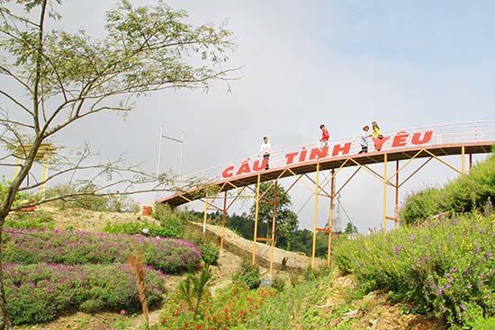 Đánh thức tiềm năng du lịch ở Thuận Châu – Sơn La