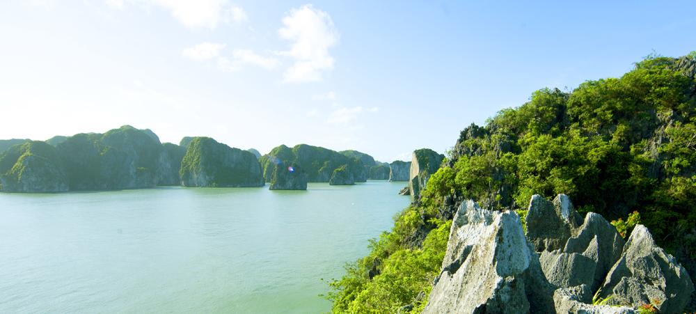 Kỳ vĩ và tươi đẹp khu Cọc Chèo - Áng Dù (Quảng Ninh)