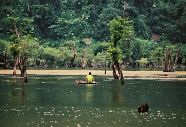 Những hồ nước cực đẹp được du khách yêu thích nhất Việt Nam