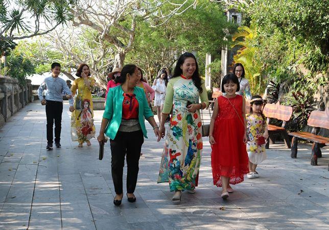 6.500 khách tham quan danh thắng Ngũ Hành Sơn (Đà Nẵng)