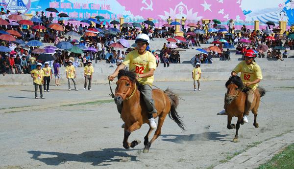 """Bắc Hà (Lào Cai) quan tâm phát triển du lịch """"cao nguyên trắng"""""""