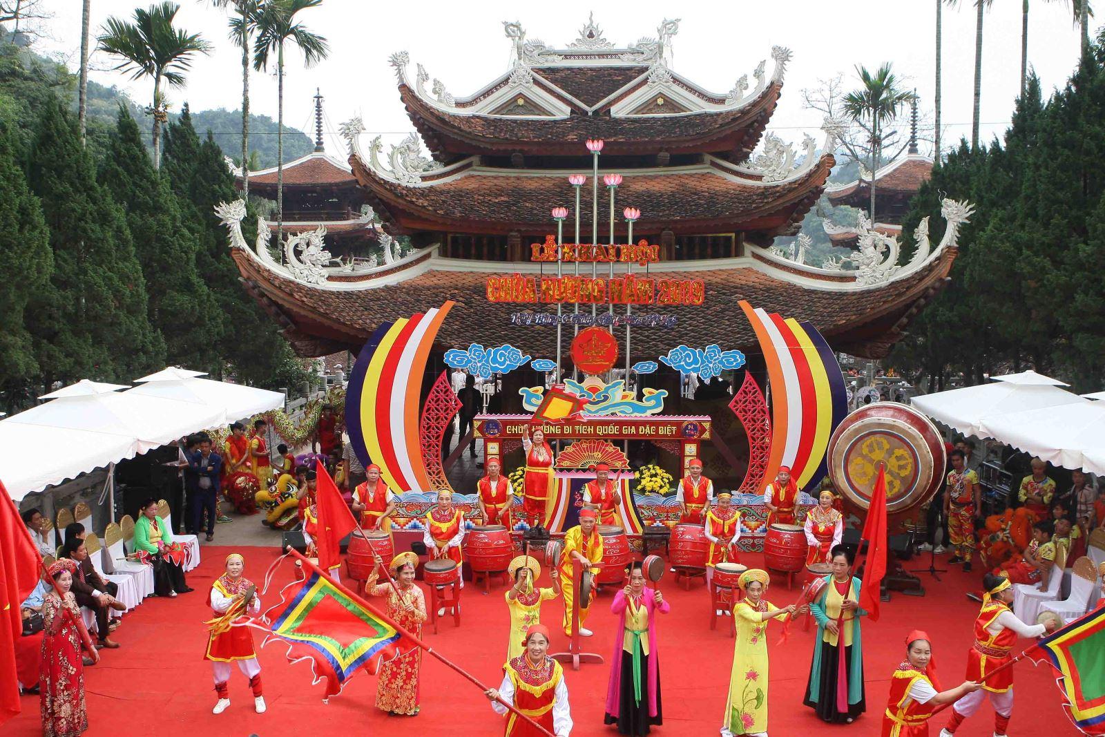Khai hội chùa Hương năm 2019