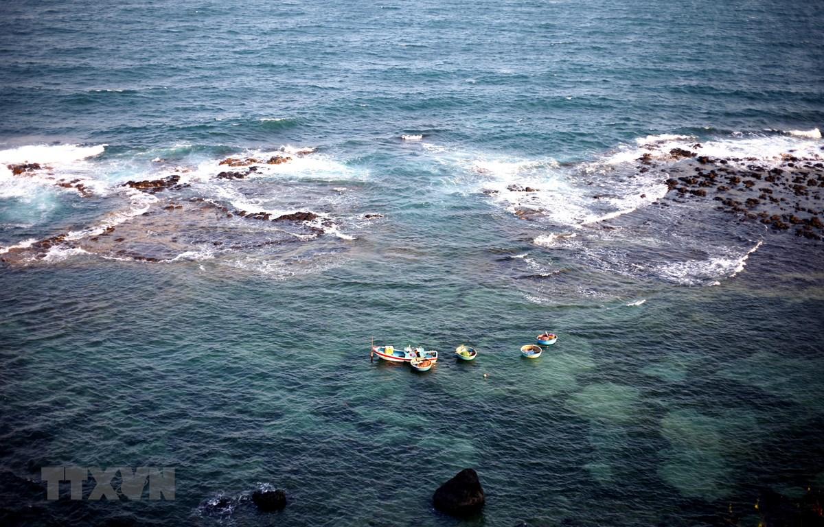 Trạm đèn biển Ba Làng An (Quảng Ngãi) - điểm du lịch mê hoặc du khách