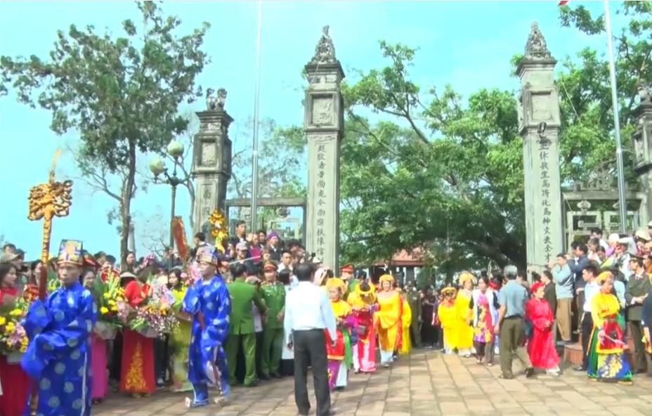 Độc đáo Lễ hội đền Phù Ủng (Hưng Yên)