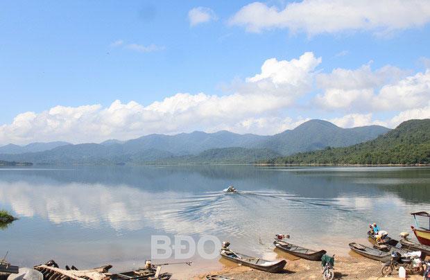 Chiêm ngưỡng cảnh giới khoáng đạt hồ Núi Một – Bình Định