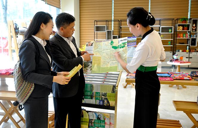 Ấn phẩm du lịch Quảng bá hình ảnh Tuyên Quang