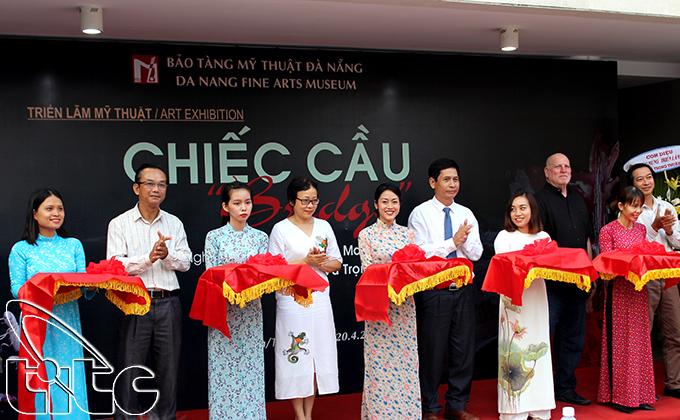 """Triển lãm mỹ thuật đương đại """"Chiếc cầu – Bridge"""" tại Đà Nẵng"""