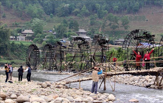 Xây dựng nông thôn mới kiểu mẫu gắn với phát triển du lịch cộng đồng