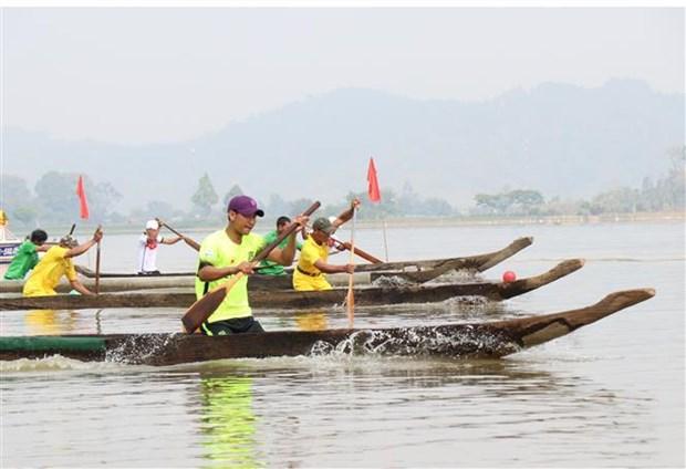 Quảng bá văn hóa của người M'Nông gắn với thuyền độc mộc
