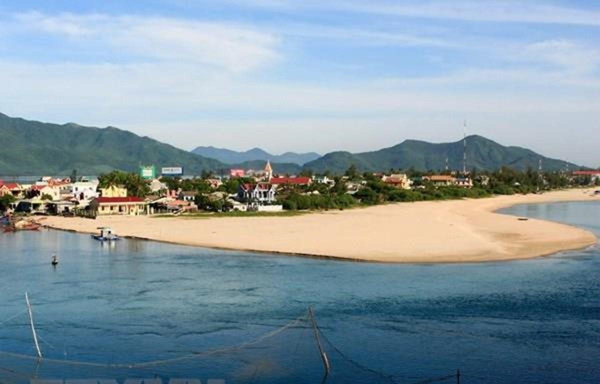 Thừa Thiên-Huế: Xây dựng vùng đầm phá thành trung tâm kinh tế biển phát triển