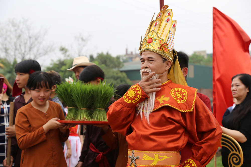 Độc đáo lễ hội Vua Hùng dạy dân cấy lúa ở Phú Thọ