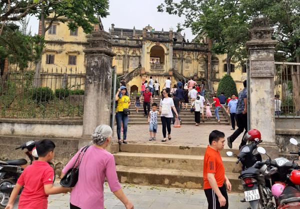 Bắc Hà (Lào Cai) đón khoảng 12.500 lượt khách dịp nghỉ lễ 10/3 âm lịch
