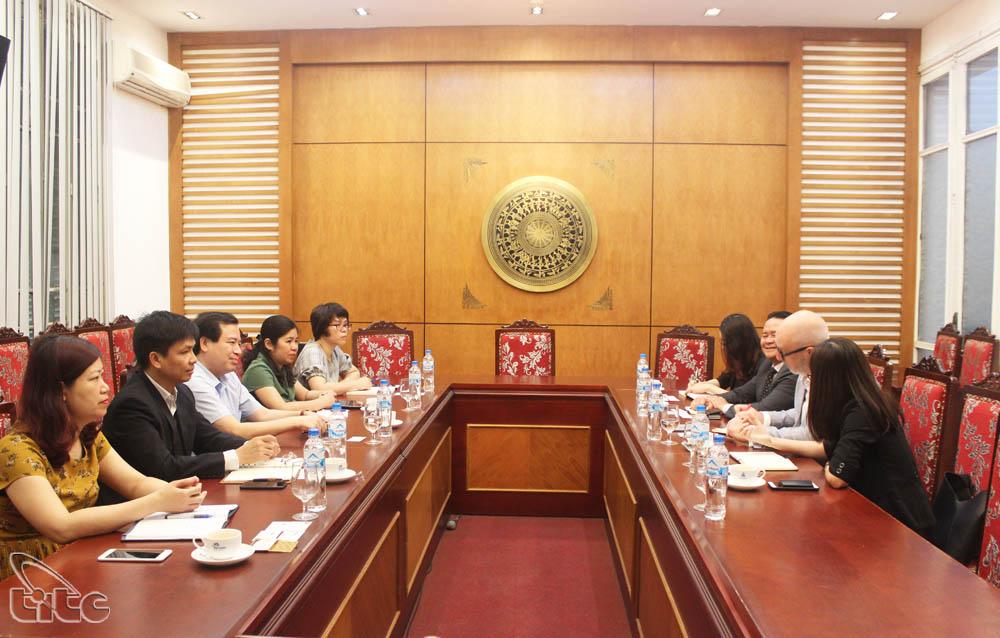 Phó Tổng cục trưởng Hà Văn Siêu tiếp và làm việc với Phó Chủ tịch hãng thông tấn BBC