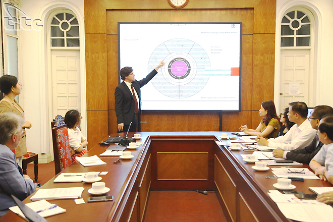 Tổng cục Du lịch làm việc với Bloom Consulting bàn về phát triển thương hiệu du lịch